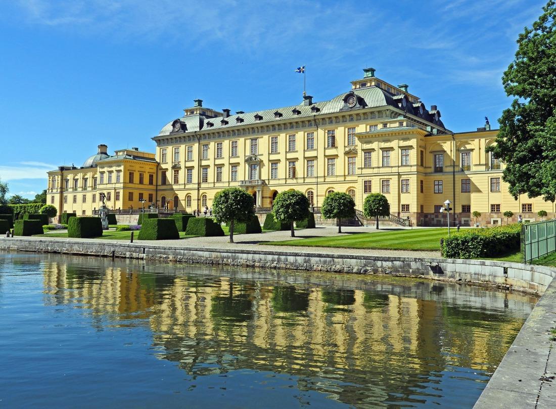 drottningholm-palace-2419776_1920.jpg